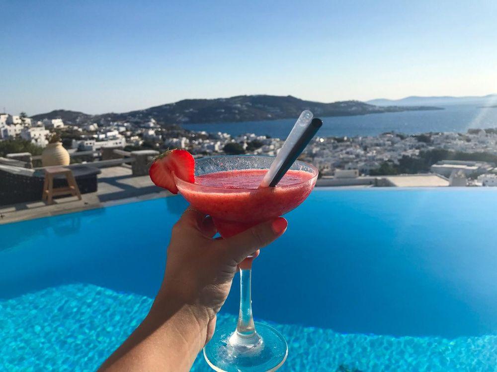 piscine cocktail mykonos rooftop