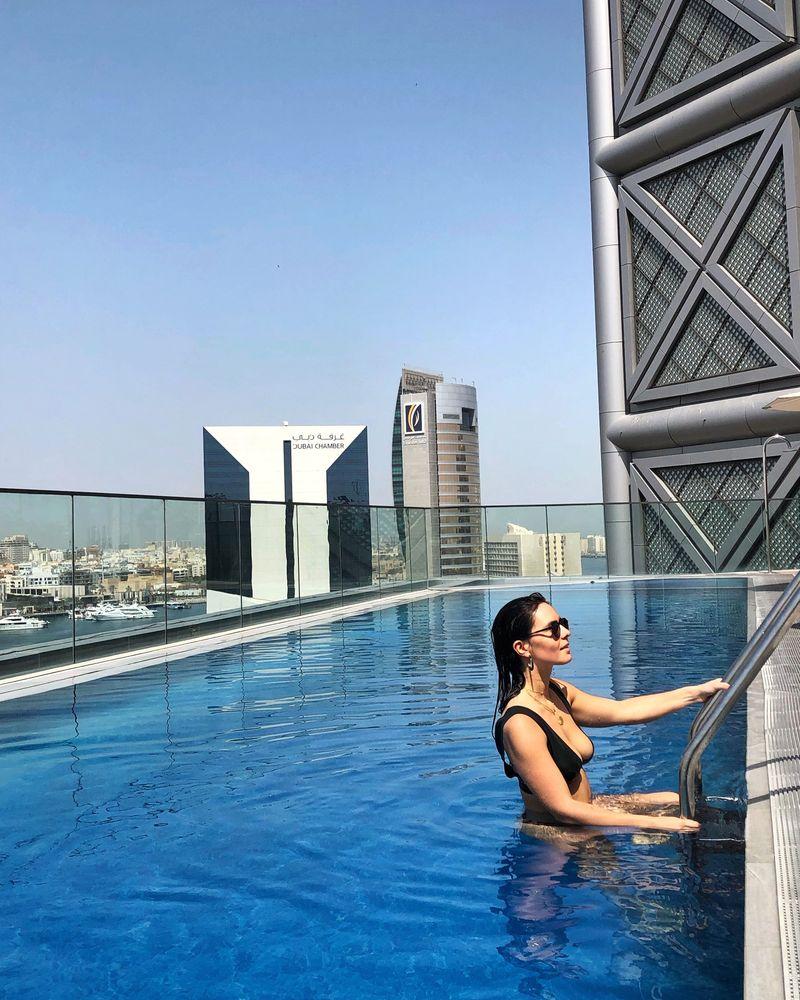 Dubai hotel piscine rooftop