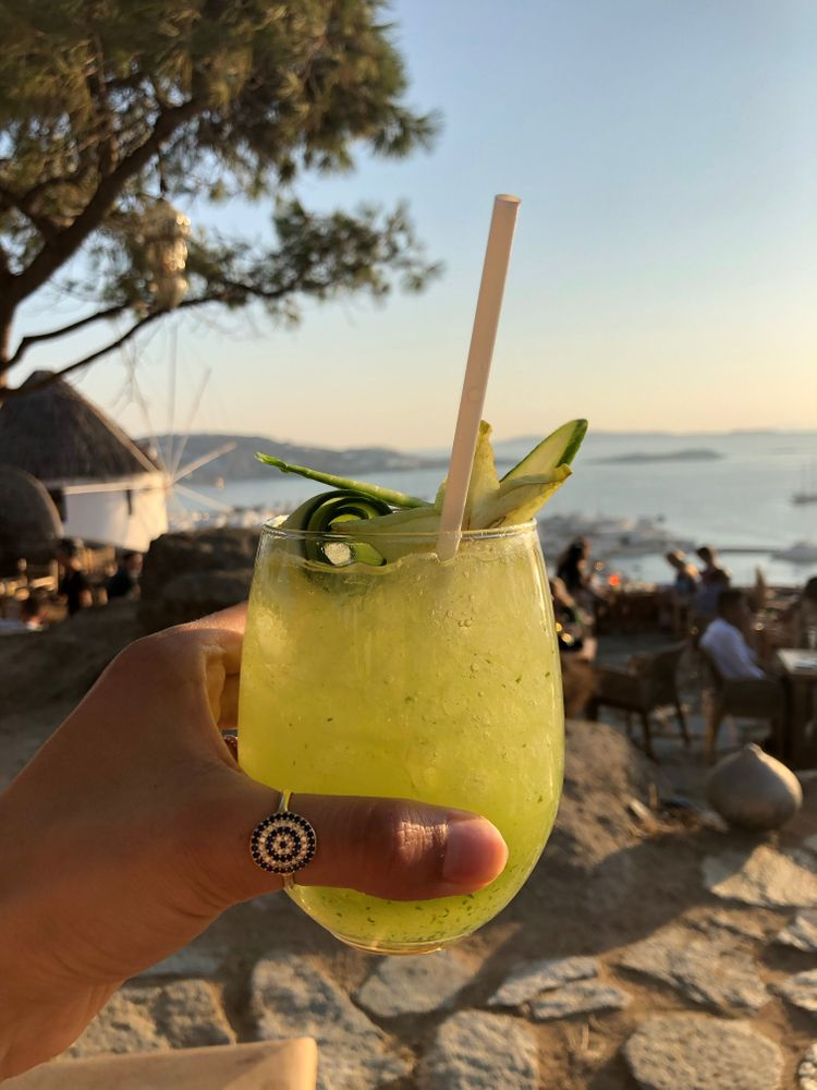 cocktail sunset bar mykonos