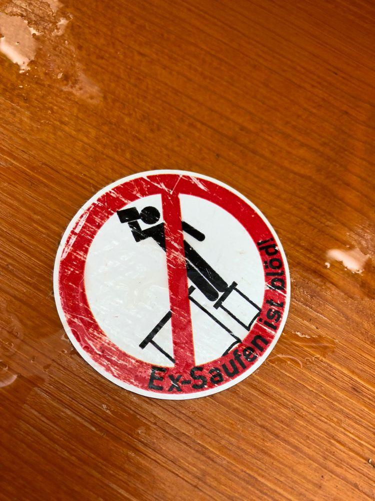 oktoberfest interdit de monter sur les tables