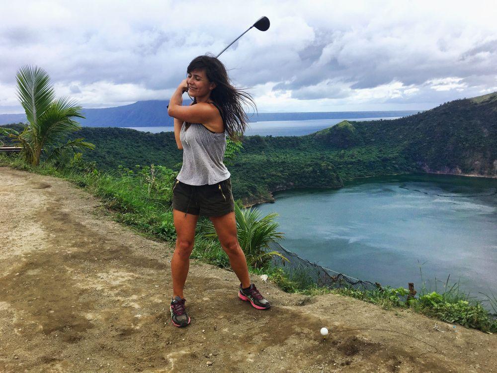 que faire aux philippines golf lac taal