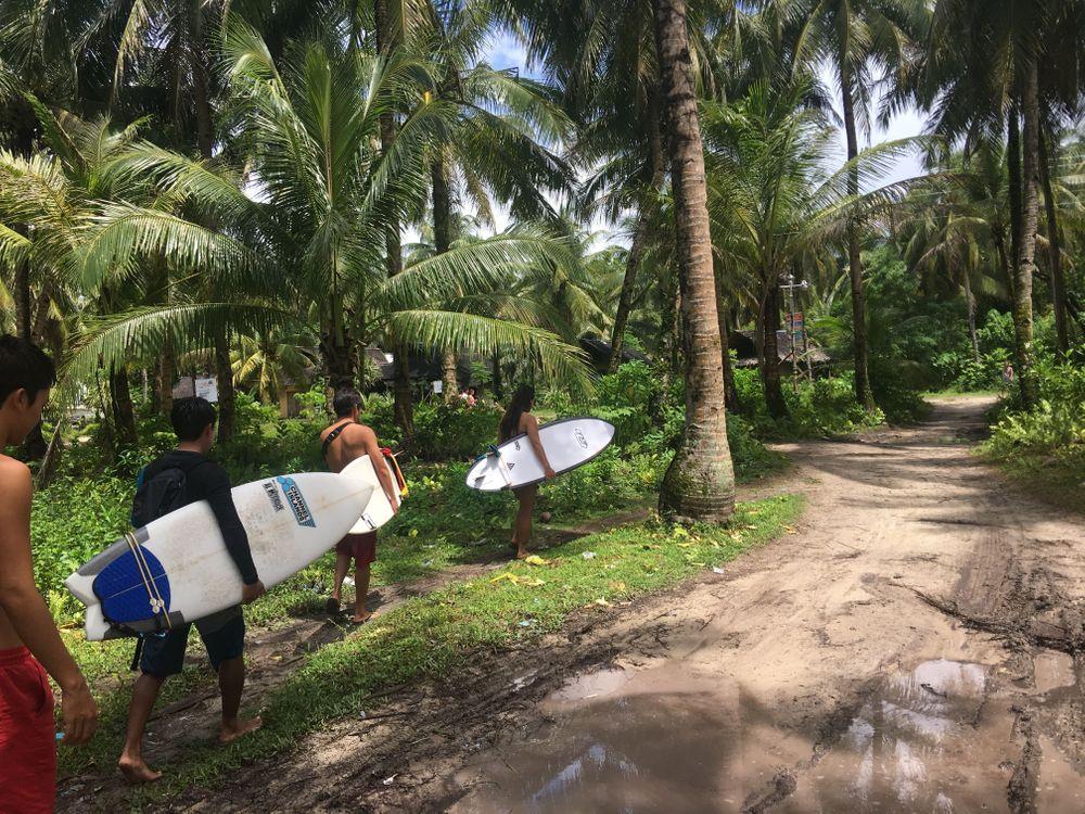 que faire aux philippines surf siargao