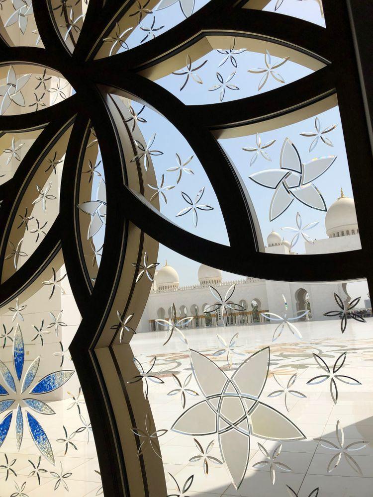 abu dhabi mosquée vitraux