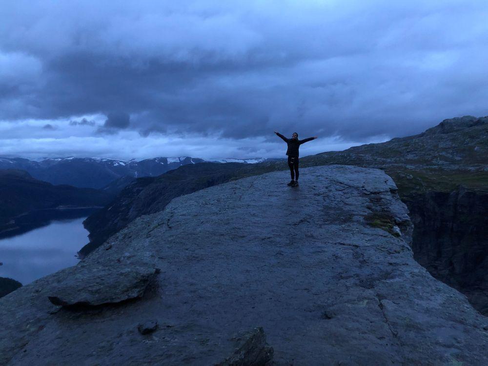 trolltunga de nuit norvège randonnée