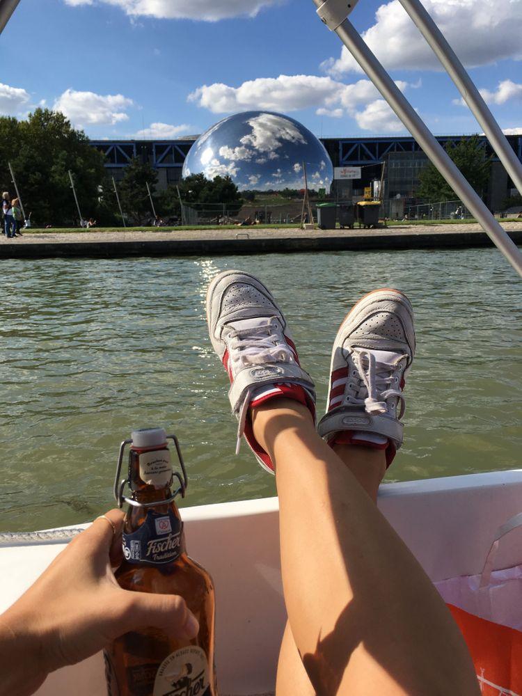 bateau sur le canal de l'ourcq sans permis  la géode apéro insolite paris
