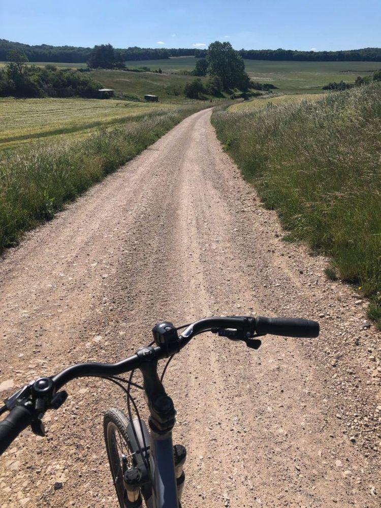 Bourgogne balade en vélo champs Dijon