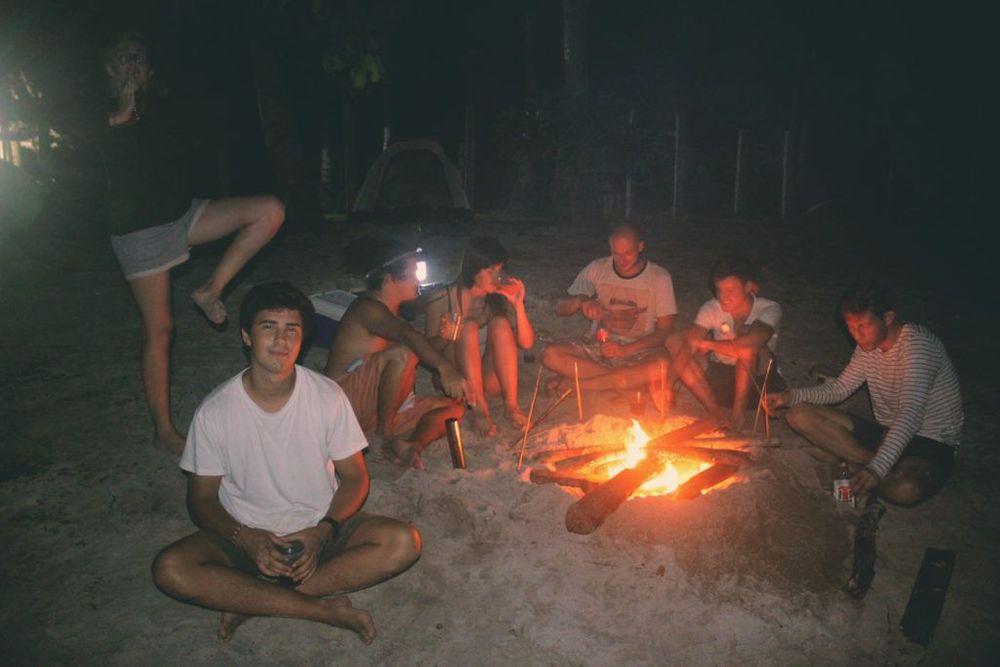 feu de camp philippines ile deserte