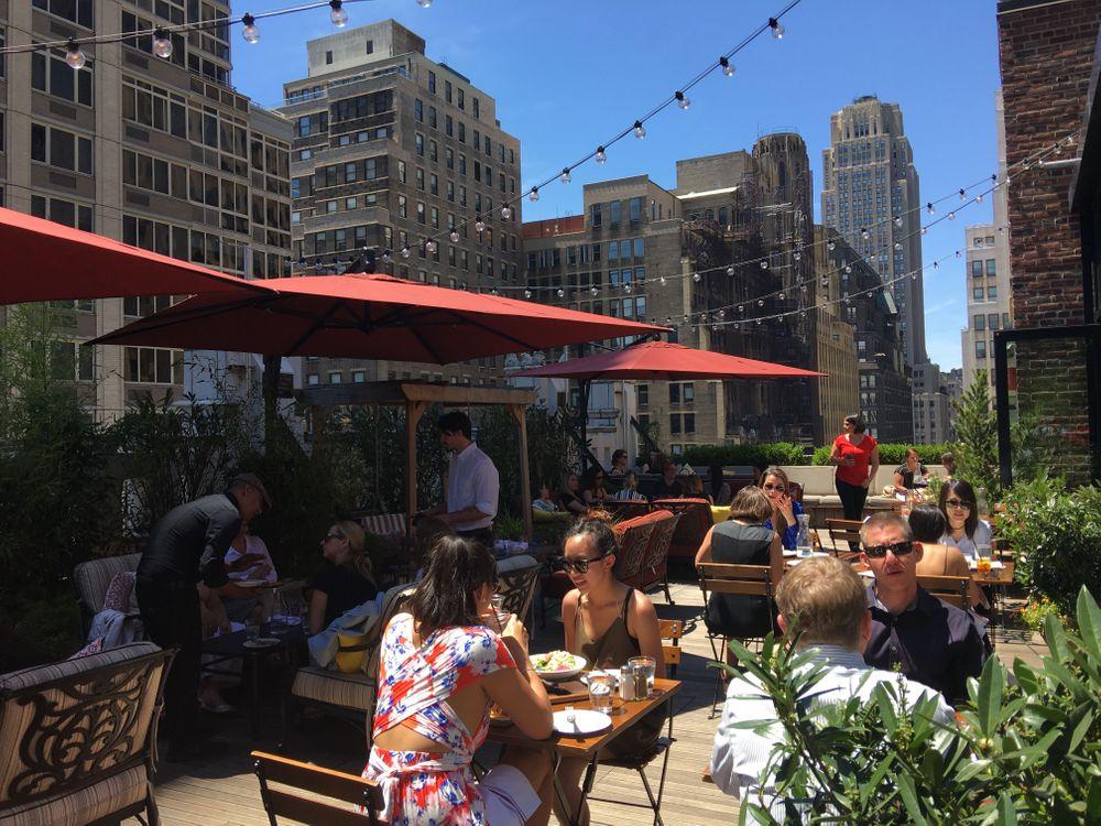 meilleur bar rooftop new york refinery